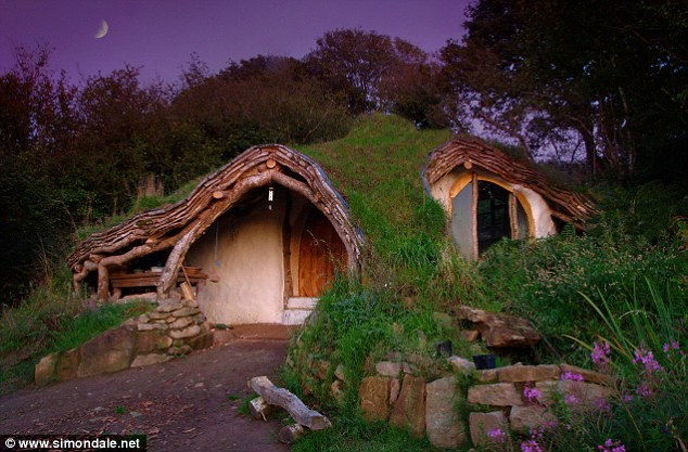 Simon Dale hobbit house